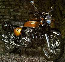 Honda CB750K2 in it's most known colour: Candy Gold Custom